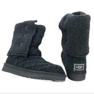UGG with box brand new black size 6